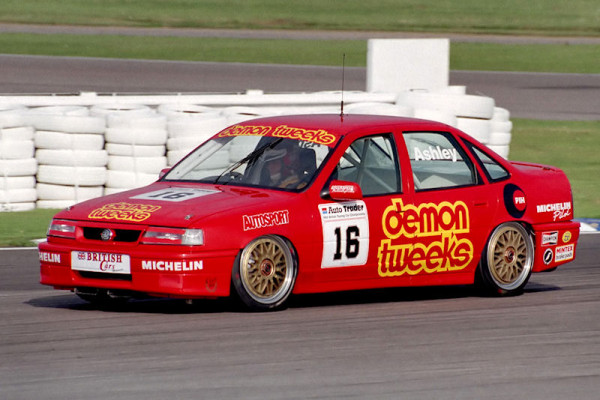 #16 Ian Ashley (GBR). Sports Promotion. Vauxhall Cavalier GSi.
