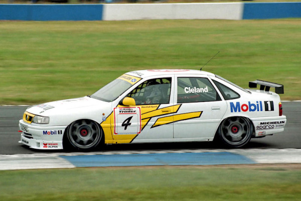 1995 British Touring Car Championship at Donington Park.
