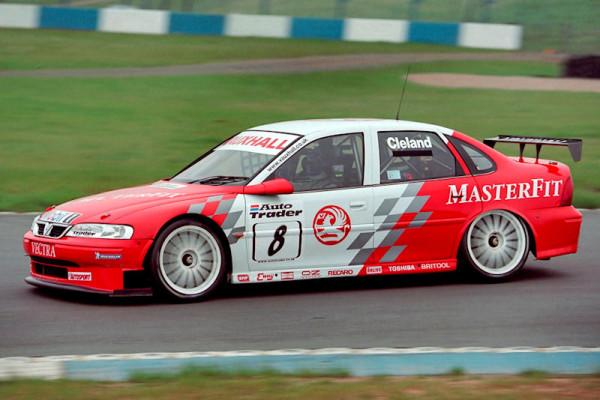 #8 John Cleland (GB). Vauxhall Motorsport. Vauxhall Vectra.