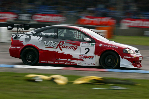 Round 1 of the 2004 British Touring Car Championship.