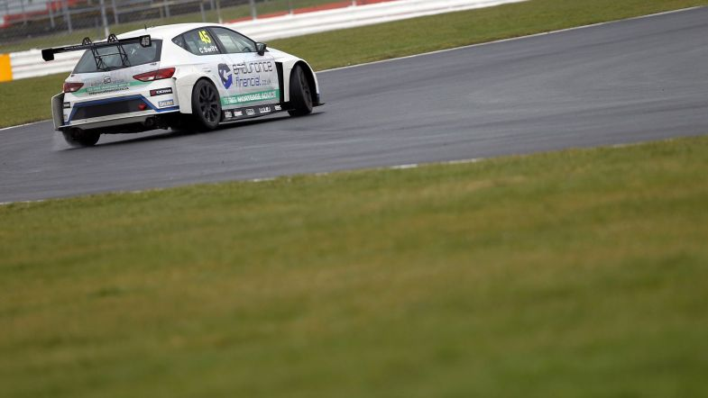 Carl Swift withdraws from Knockhill TCR UK round - TouringCarTimes